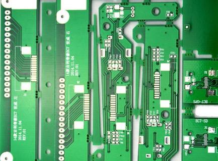PCB双面板的定义及制作流程