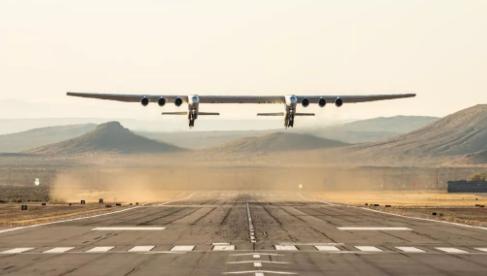 同温层发射系统公司完成了世界最大飞机的首次飞行