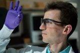 科学家们开发出一种新型材料,专门针对难以治疗的骨软骨损伤