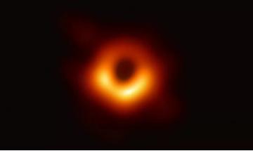 人類首張黑洞照片公布 三星QLED 8K電視還原...