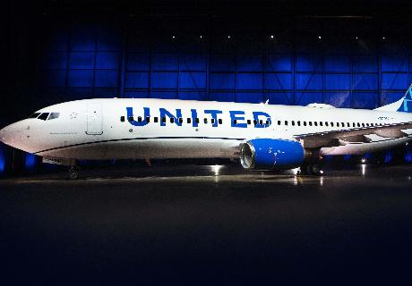 美联航隆重发布了全新飞机涂装设计