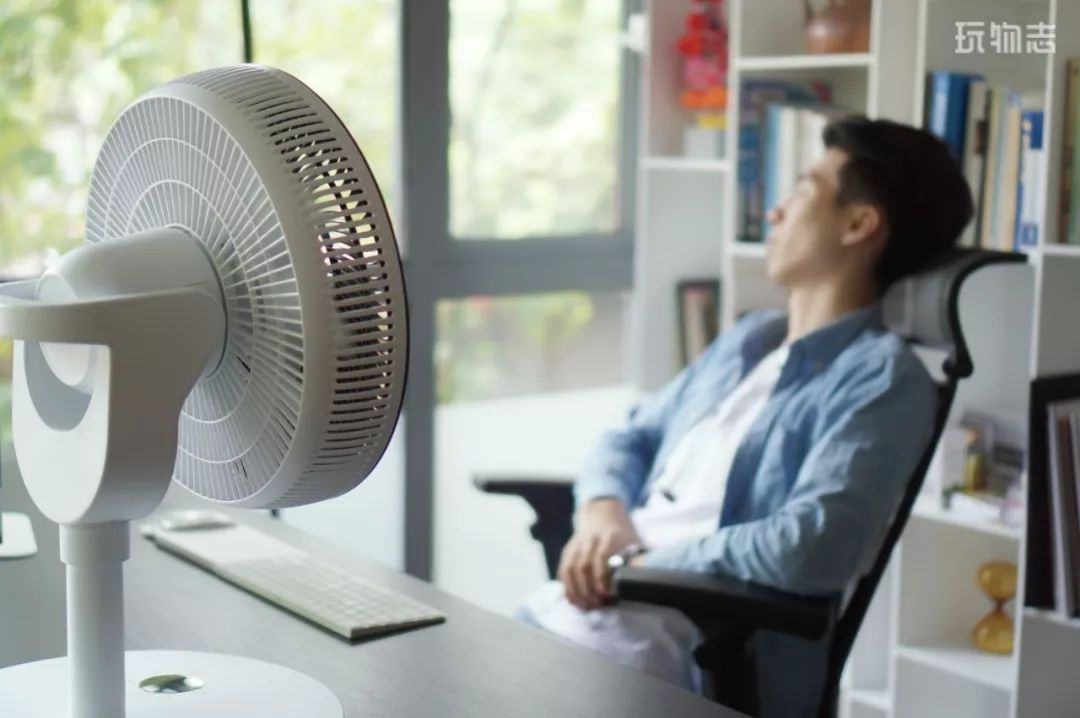 夏天除了空调当然首选戴森风扇