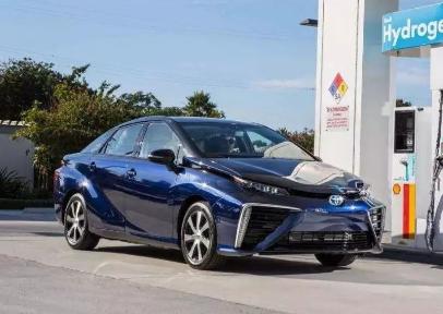 新能源汽车发展路线存在着较大争议 纯电动路线成了...