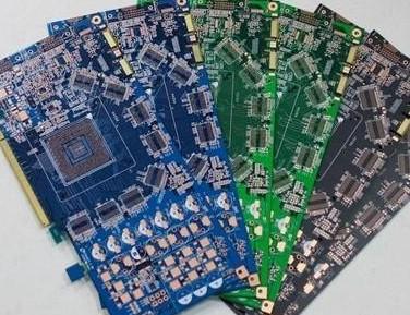 在选择PCB打样快板厂时需注意哪些问题