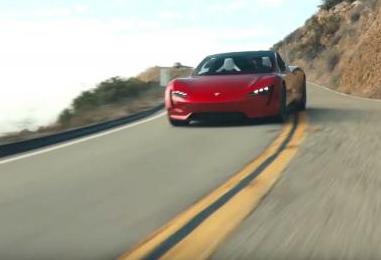 特斯拉宣称 新款全电动超级跑车充一次电的行驶里程为620英里