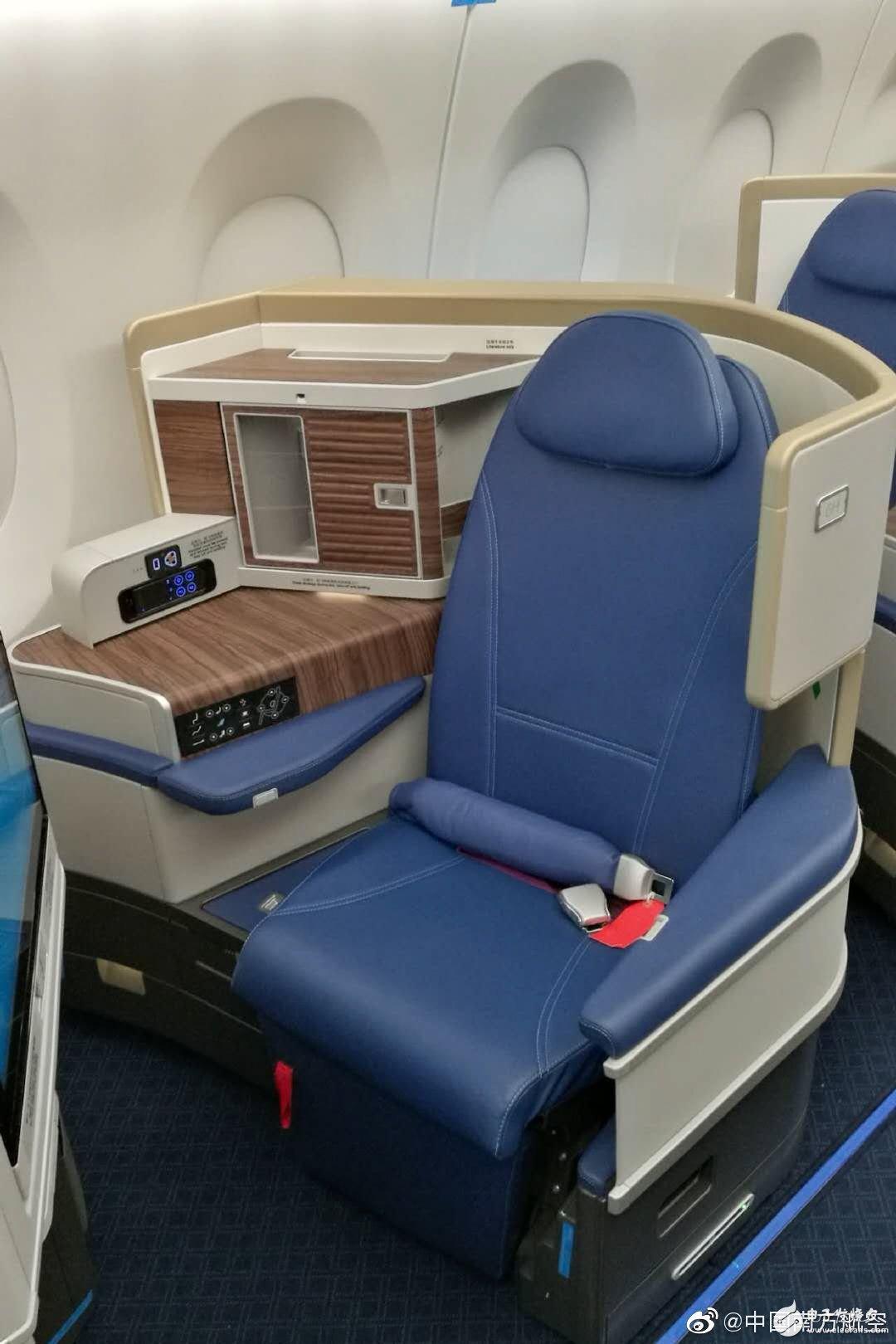 南航首架空客A350飞机已正式完成好了公务舱座椅的安装
