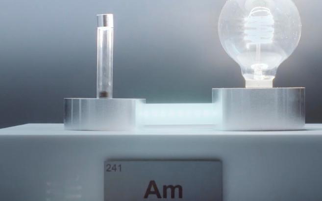 """稀有元素""""镅""""点亮第一个灯泡,其实它在我们日常生活中已""""潜伏""""多年了"""