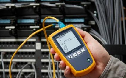 福禄克网络推出能够验证和诊断以太网布线的MicroScanner PoE测试仪