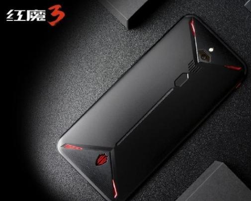 紅魔3上手體驗最高輔以12GB+256GB存儲組合運行各種大型游戲暢通無阻