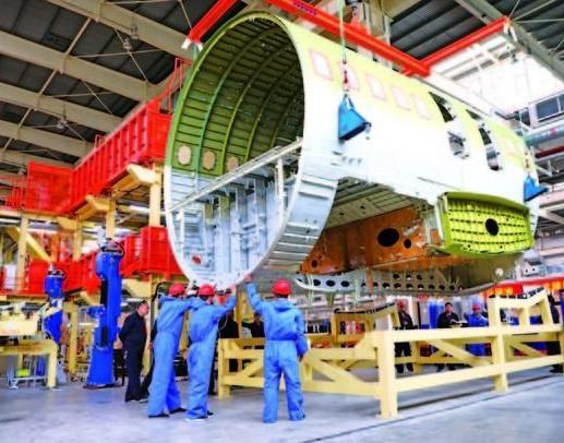我国成功完成了首架全新数字化生产线装配的C919飞机运用验证