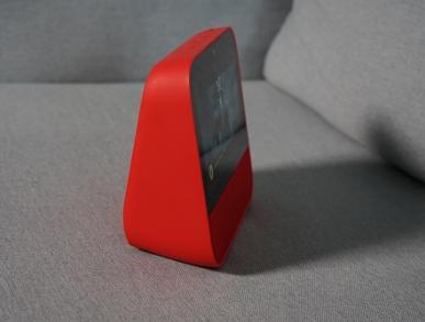 天猫精灵推出首款带下一个屏幕的智能音箱 大人小孩都能用