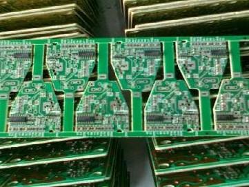 SMT加工中造成印刷质量的原因及贴片式连接器的类...