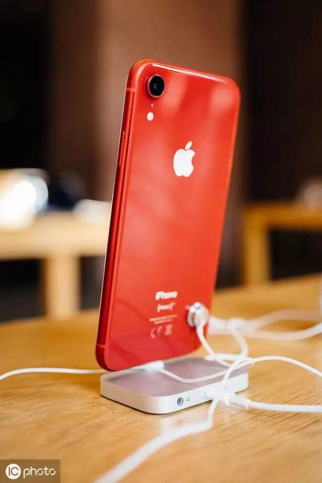 苹果最强续航手机 猜猜是哪一个