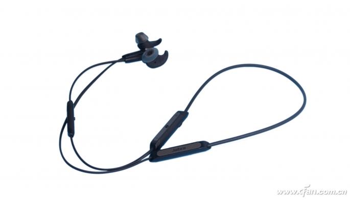 捷波朗Elite45e蓝牙耳机轻体验 一款相当轻...
