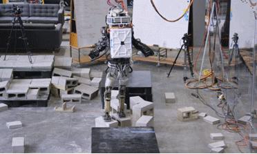 波士顿动力Atlas机器人完成了高难度的行走实验