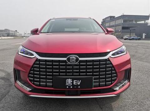 比亚迪全新一代唐EV试驾 极速可达180km/h