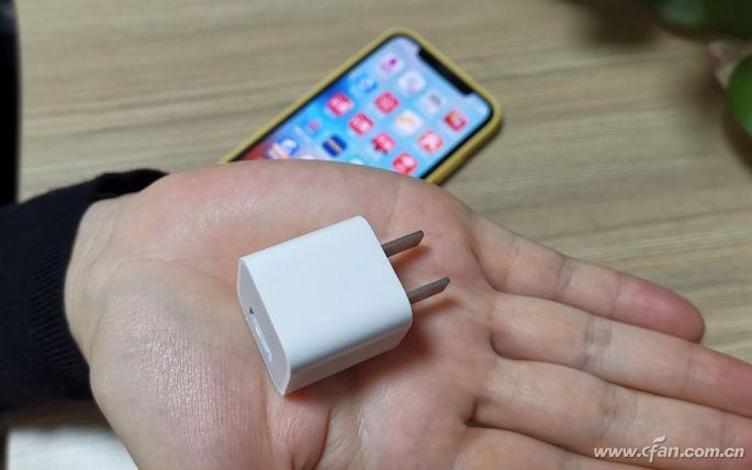 怎样识别手机充电器的参数