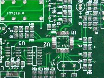 印刷电路板的厚度标准与应用推荐
