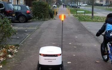机器人配送服务英国受欢迎 费用一英镑没有最低起送金额