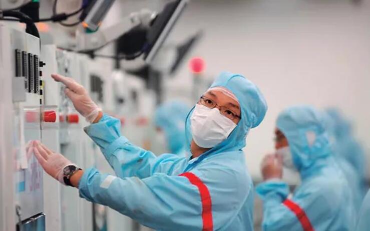 直面芯片行業人才困境:800萬本碩博畢業生僅3萬入行