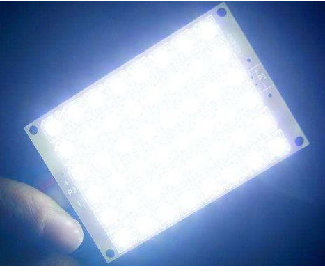 LED灯可能会对视网膜细胞造成严重的伤害并导致失明