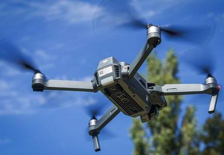 无人机的应用和管理才能迈上新台阶 在飞絮治理中的...