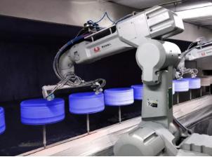 随着3C市场的爆发 机器人智能涂装工作单元的需求趋势明显