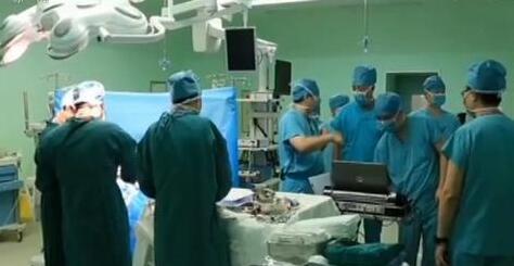 南京市第一醫院利用5G網絡成功實現了省內首例5G+VR心臟手術