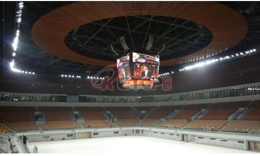 如何在体育场馆上安装LED显示屏
