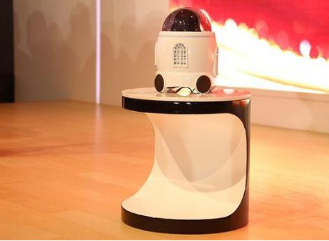国视科技推出守护家机器人 能第一时间将健康隐患扼杀在摇篮里
