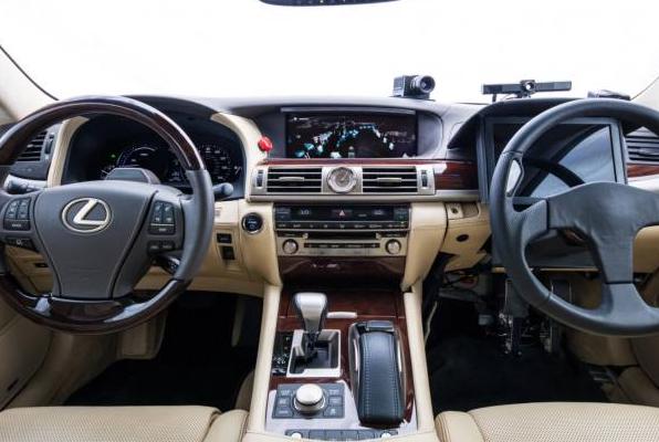 自动驾驶汽车的安全性是一个很难回答的社会问题
