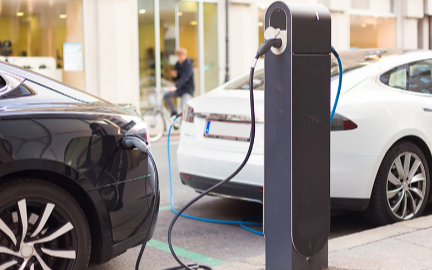 电动汽车起火事件频发 电动汽车安全需重视