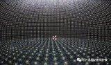 中微子可以自由的穿梭在任何空间内 运动起来可以接近光速