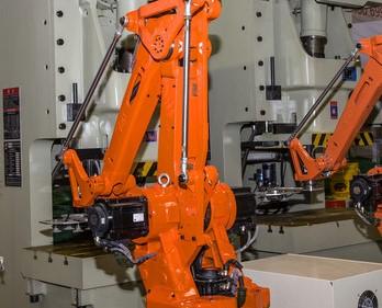 利用EOAT工具和機器人完成工業自動化的挑戰