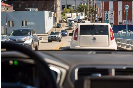 通用自动驾驶技术迎来新进展 助力解决左转难题