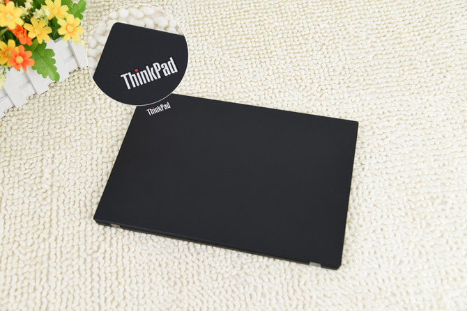 ThinkPadA285评测 配置均衡小巧精致