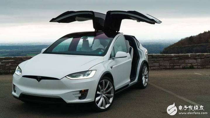 特斯拉电动汽车无故自燃 技术还是软件问题