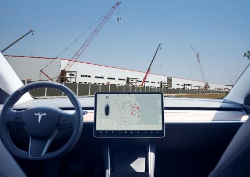 国产特斯拉Model 3开启预订 意图挽救急转直...