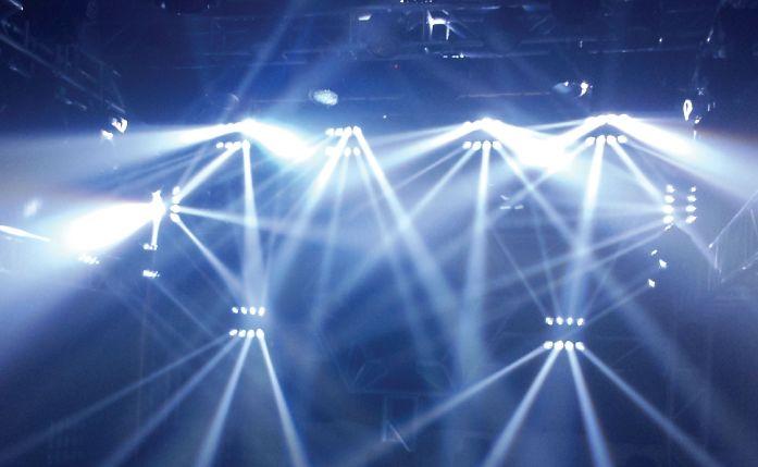 高强度LED灯可能造成视网膜细胞受损和视力衰退