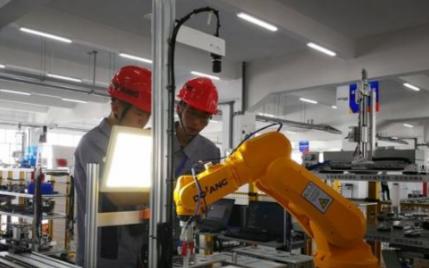 """加速产业化人工智能正""""狂飙突进"""""""