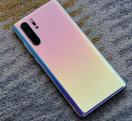 华为P30 Pro与三星S10+和iPhone 2019款外观对比谁更好看