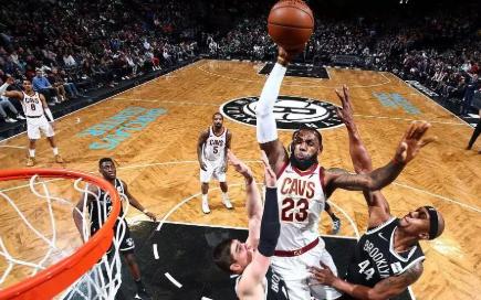 VR | 用 VR眼镜看 NBA,你甚至可以被勒...