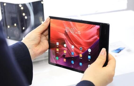 柔宇科技位于深圳的基地首次对外公开展示了柔性屏的生产流程