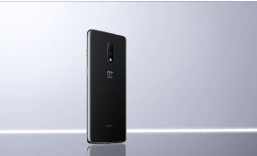 一加7正式开售在京东手机通讯排行榜上获得了多个第一名