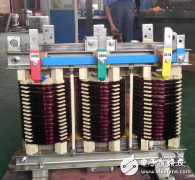 低压变压器的工作原理