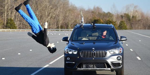 IIHS检验汽车主动刹车安全系统