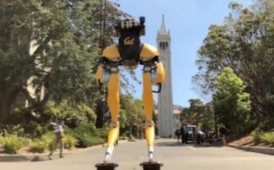 双足机器人Cassie玩转高难度漂移板