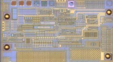模拟集成电路的特点
