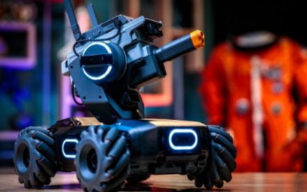 大疆发布智能机器人玩具 寓教于乐可玩性高