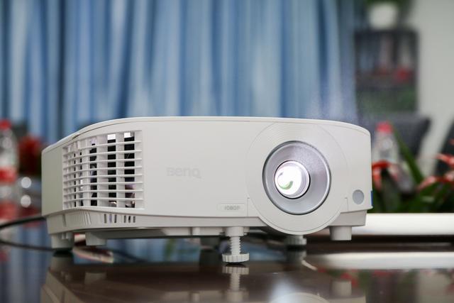 明基E580投影仪评测 可以说是一个完全体的商务投影了
